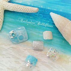 ネイル 画像 Nailsalon Bellefleur〜ベル・フルール〜  1596272 青 白 シルバー 水滴 マリン 夏 梅雨 ソフトジェル フット ショート