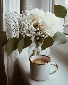 Coffee and flowersflo