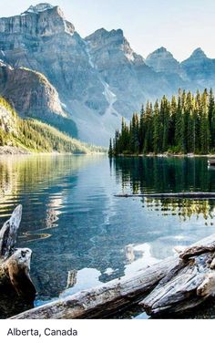 Alberta, Canada looks stunning! Canada touches my heart, this beautiful nature, really amazing Beautiful Places, Beautiful Pictures, Beautiful Gorgeous, Lake Water, Jolie Photo, Nature Pictures, Photos Of Nature, Lake Pictures, Lake Photos