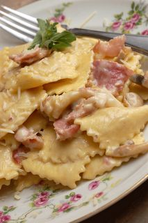 Sugar & Spice by Celeste: Ravioli Panna e Prosciutto - Straight from Venice! French Dishes, Italian Dishes, Italian Recipes, Fresco, Great Recipes, Favorite Recipes, Breakfast Dessert, Prosciutto, What To Cook