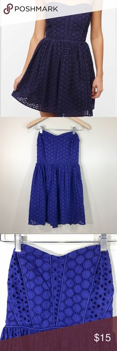 UO Kimchi Blue Payton strapless eyelet dress, sz S Breezy, cotton strapless dress from Kimchi Blue. Topped with all over dainty eyelet embroidery. Pipping detail along the body. Smocked, elastic band on the back. Urban Outfitters Dresses Mini