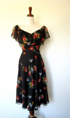 Spanish Rose Off Shoulder Floral Chiffon Dress vintage Classy Outfits, Pretty Outfits, Pretty Dresses, Fall Dresses, Casual Dresses, Long Dresses, Formal Dresses, Spanish Dress, Spanish Style