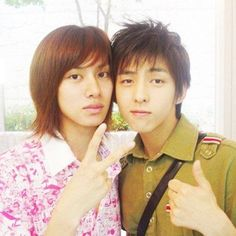Heechul shares an old picture of himself with Kim Ki Bum | http://www.allkpop.com/article/2014/10/heechul-shares-an-old-picture-of-himself-with-kim-ki-bum