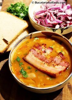 ciorba de fasole boabe cu costita Pork Recipes, Cooking Recipes, My Favorite Food, Favorite Recipes, Good Food, Yummy Food, Romanian Food, Food Obsession, Hungarian Recipes
