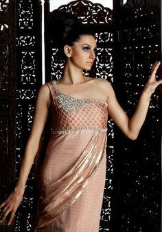 {Designer: Payal Singhal Bridal & Evening Wear}