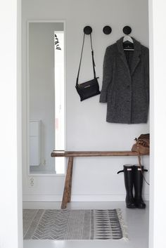 Awesome Scandinavian Inspired Entryway Decor Ideas - Page 12 of 46 Decoration Hall, Entryway Decor, Scandinavian Furniture, Scandinavian Home, Scandinavian Bathroom, Hallway Inspiration, Interior Inspiration, Design Inspiration, Halls