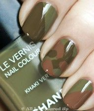 Cool camo nails using Chanel khaki nail polish Love Nails, How To Do Nails, Pretty Nails, Fun Nails, Chanel Nail Polish, Chanel Nails, Army Nails, Military Nails, Camouflage Nails