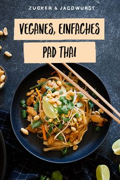 This vegan pad Thai recipe is healthy and easy to make! You'll love this noodle dish with tofu, peanuts and the most delicious pad Thai sauce! More from my siteVegan Pad Thai – RezepteVegan Pad Thai – New Ideas – RezepteSpicy Vegan Pad Thai Thai Recipes, Easy Dinner Recipes, Asian Recipes, Vegetarian Recipes, Chicken Recipes, Easy Meals, Healthy Recipes, Easy Recipes, Pad Thai Receta