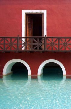 How amazing is this pool? Mexican hacienda.