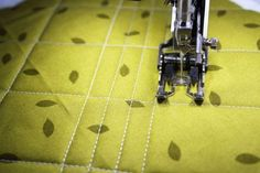 Quilting Ideas 75 Amazing Machine Quilting Things You Need to See - Prepared to be delighted! We've gathered more than 75 of our best tutorials, classes and more to help you easily learn and improve your machine quilting. Machine Quilting Patterns, Quilting Tools, Longarm Quilting, Free Motion Quilting, Quilting Tutorials, Quilt Patterns, Quilting Ideas, Quilting Projects, Quilting 101