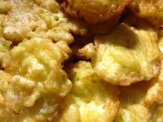 frittelle di verdure #ricettedisardegna #cucinasarda #sardinia #recipe Cauliflower, Baking, Vegetables, Entertainment, Food, Appetizers, Italia, Kitchens, Cauliflowers