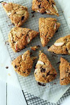 Apple and dark chocolate scones | Fanni & Kaneli,
