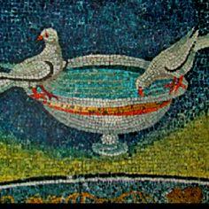 Qui gli uccelli bevono il mosaico