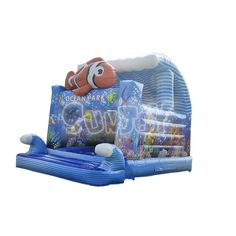 Nemo theme inflatable ocean park with obstacle for kids, fun bounce house from sunjoy.