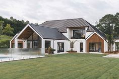 Photo from Dave Blanchard House Photos collection by Duncan Innes Photography House Designs Exterior Blanchard Collection Dave Duncan house Innes Photo Photography Photos Dream Home Design, Modern House Design, Modern Farmhouse Exterior, Farmhouse Architecture, Farmhouse Plans, Architecture Photo, Modern Architecture, Dream House Exterior, Bungalow Exterior