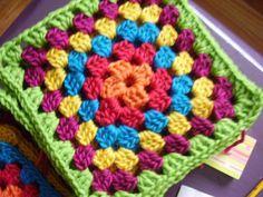 Transcendent Crochet a Solid Granny Square Ideas. Wonderful Crochet a Solid Granny Square Ideas That You Would Love. Crochet Box, Crochet Cross, Crochet Motif, Crochet Designs, Crochet Stitches, Crochet Patterns, Free Crochet, Granny Square Projects, Granny Square Häkelanleitung