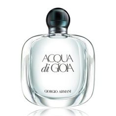 The essence of joy is Acqua di Gioia Eau de Parfum by Giorgio Armani Beauty. A fresh floral fragrance of spring blossoms ideal for the warm season. Giorgio Armani Beauty, Parfum Giorgio Armani, Summer Scent, Fragrance Parfum, Armani Fragrance, Perfume Armani, Perfume Scents, Parfum Spray, Smell Good