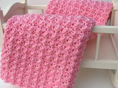 Super Cozy Crochet Baby Blanket - Bubblegum