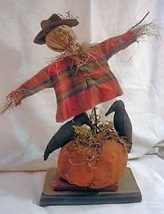 Extreme Primitive Folk Art Scare Crow on a Pumpkin Doll Pattern EZPZ Scarecrow Doll, Scarecrow Crafts, Halloween Doll, Fall Halloween, Halloween Tattoo, Primitive Scarecrows, Primitive Pumpkin, Primitive Folk Art, Primitive Crafts