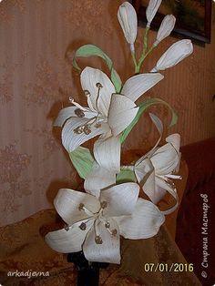 Белая лилия из кукурузных листьев. Поделка изделие Бумагопластика Цветы из КУКУРУЗНЫХ листьев фото 5