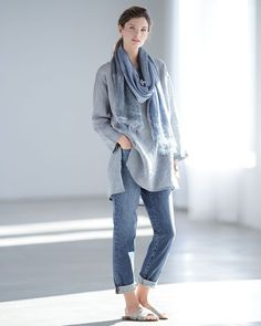 Stretch Boyfriend Jeans--yes please! I like the monochromal look here. Fashion Mode, Look Fashion, Winter Fashion, Fashion Outfits, Womens Fashion, Fashion Trends, Fall Tights, Vetements Clothing, Mode Hijab