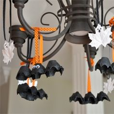 Egg carton bats. Fun and easy craft for kids!