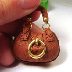 tutorial: Miniature handbag. totally love this.