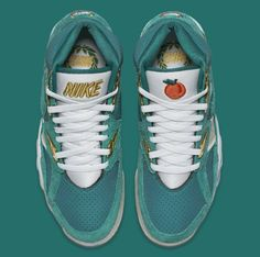 """low priced e3b05 c71eb linrenzo  """"wytchi  """" Nike air trainer sc high """"Atlanta Olympics"""" """" Holy  Fuck   ) """" Where can I get these seriously """" I thought it was for candy 😔"""