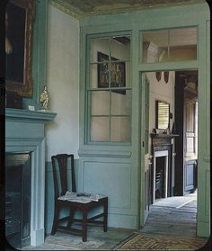 Vintage Interiors, Colorful Interiors, Wabi Sabi, Old Fashioned House, Indoor Places, Houses In France, English Country Decor, Villa, Old Farm Houses