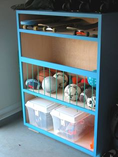 Ball storage caddy made with bungees for the garage.