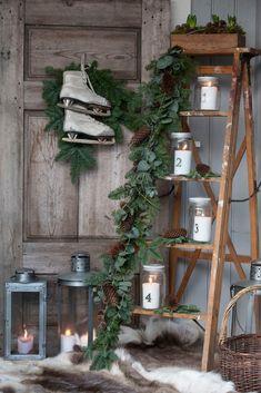 Outside Christmas Decorations, Christmas Porch, Country Christmas, Winter Christmas, Christmas Time, Xmas, Diy Photo Backdrop, Dollar Tree Fall, Winter Home Decor