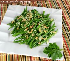 This is another recipe I found in the Barefoot Contessa Foolproof cookbook. I served these tasty green beans with the Lemon and Mustard Chicken Thighs and Veggie Dishes, Side Dishes, Healthy Foods, Healthy Recipes, Green Bean Recipes, Barefoot Contessa, Dinner Sides, Easter Dinner, Fall Recipes