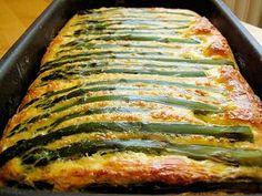 A következő egyszerű recepttel ízletes spárgás harapnivalót készíthetünk. Vegetable Pizza, Lasagna, Quiche, Food And Drink, Pork, Vegetables, Ethnic Recipes, Tej, Main Courses