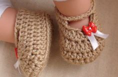 Free Crochet Posh Booties For Your Little Fashionista