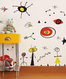 barcelona. adesivo de parede: mural inspirado em Miró. Criado por Leo Conrado.