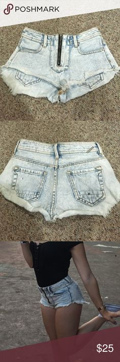 Denim Shorts Light Wash Cut Off Booty Denim Shorts ~ Brand is Kendall and Kylie from PacSun ~ Size 00 ~ Zippers in the Front ~ Worn Once, Still in Great Condition Kendall & Kylie Shorts Jean Shorts