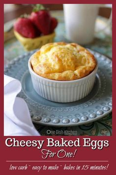 easy recipes - Cheesy Baked Eggs For One, two eggs mixed with cream or milk, cheese and seasonings baked in a ramekin and ready in 15 minutes Light, easy to make, hearty and so tasty A wonderful single serving breakfast recipe One Dish Kitchen singl Cooking For One, Batch Cooking, Meals For One, Mug Recipes, Cooking Recipes, Recipes For Eggs, Apple Recipes, Healthy Cooking, Vegetarian Recipes