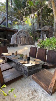 Outdoor Spaces, Outdoor Living, Outdoor Decor, Tulum, Places To Travel, Places To Go, Balkon Design, Garden Design, House Design