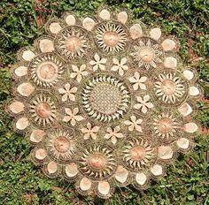 Photo: Carpeta Redonda de Ñanduti en Hilo Fino - 45 cms