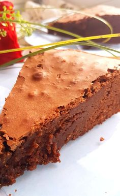 Brownie, czyli ciasto obłędnie czekoladowe! - Przepis - Blog kulinarny Kurkanielotka.pl Polish Desserts, Polish Recipes, Eat Happy, Healthy Sweets, Cake Cookies, Cake Recipes, Good Food, Food Porn, Food And Drink