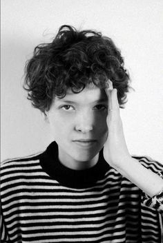 15  Curly Pixie Cut   http://www.short-hairstyles.co/15-curly-pixie-cut.html