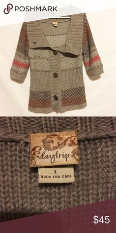 Daytrip knit sweater Buckle daytrip sweater! Size large but also fits medium really well! 25% wool! Really warm! Must wear a shirt underneath! Make an offer! Daytrip Sweaters Crew & Scoop Necks