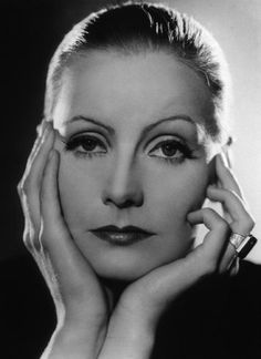 Portrait of Mata Hari, Greta Garbo, 1931 Golden Age Of Hollywood, Vintage Hollywood, Hollywood Glamour, Hollywood Stars, Classic Hollywood, Hollywood Cinema, Hollywood Icons, Marlene Dietrich, George Hurrell
