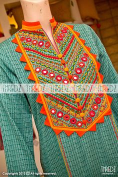 Green EMB Khaddi Single Kurta (92197), Thredz Online Indian Fashion Trends, Latest Fashion Trends, Hand Work Design, Kurti Patterns, Neckline Designs, Pakistan Fashion, Shirt Embroidery, Simple Shirts, Best Wear