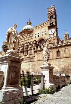 #Palermo, Sicily, Italy (by Howard Somerville) #tpalermo #sicily #sicilia