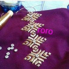 Phulkari Phulkari Embroidery, Embroidery Sampler, Embroidery Suits, Hand Embroidery Stitches, Beaded Embroidery, Embroidery Patterns, Sewing Patterns, Traditional Books, Motifs Perler