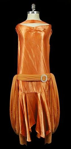 Old Fashioned Clothes : pumpkin silk charmeuse gown 1920 Style, Style Année 20, Flapper Style, 1920s Flapper, 30s Fashion, Art Deco Fashion, Fashion History, Retro Fashion, Vintage Fashion