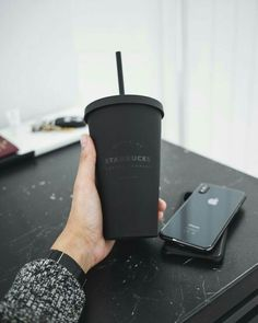 Please doubletab and tag a Friend belowEven though Im not a fan of starbucks I really love this matte black cup. Black And White Aesthetic, Black N White, Black Love, Matte Black, Black Apple, Preto Wallpaper, Black Wallpaper, Starbucks Wallpaper, Style Noir