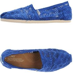 Toms Sneakers ($80) ❤ liked on Polyvore featuring shoes, sneakers, blue, lace shoes, blue sneakers, lacy shoes, round toe flat shoes and toms sneakers