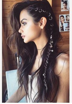 Hair flair. Pinterest//TatiRocks Jewelry . #braids #hair